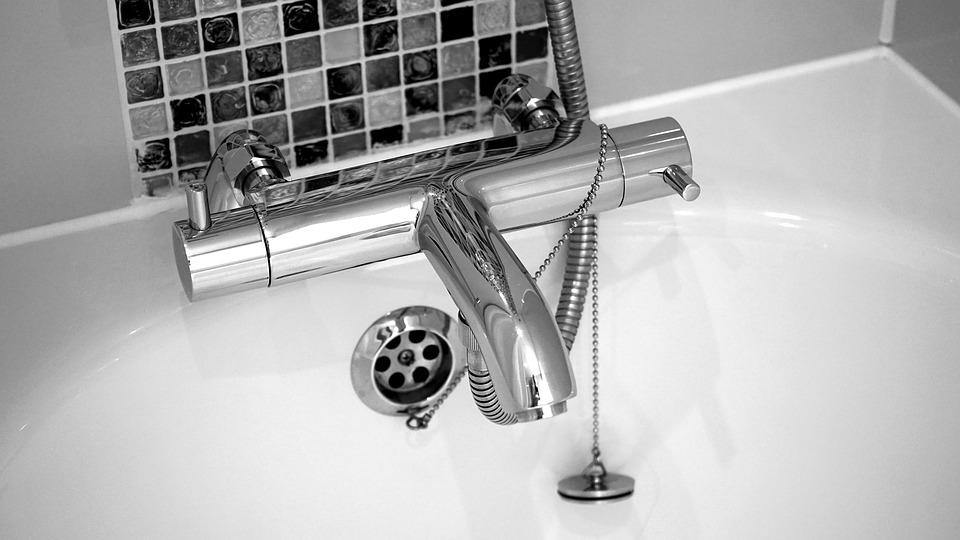 Trouver un plombier qualifié: les conseils à prendre en compte